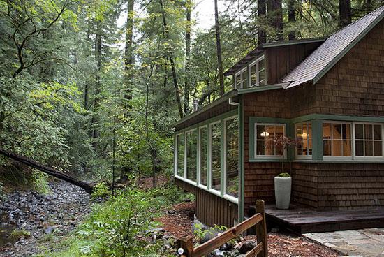 Spaces we love creekside cabin in calistoga california for Cabins near portland oregon