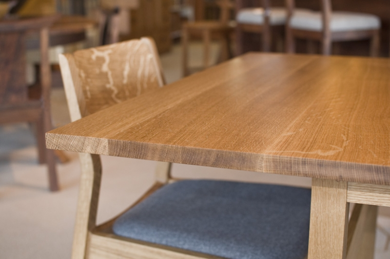 Dining set in quarter white oak the joinery portland for Table 6 to 20