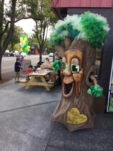 Friends of Trees and The Joinery partner together for Woodstock Gives Back