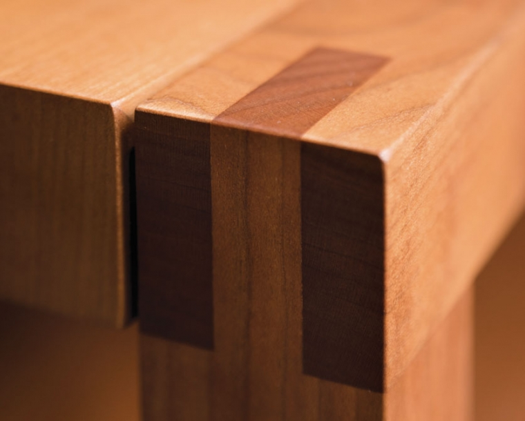 Celilo Coffee Table bridle joint detail in Cherry