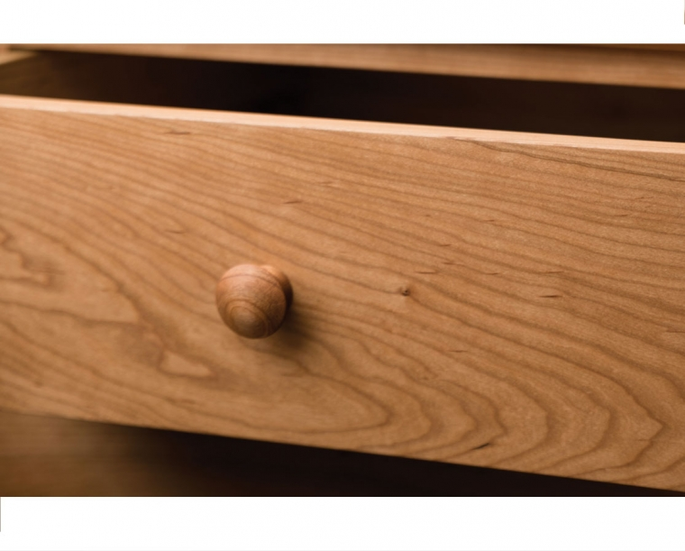 Shaker knob detail in Cherry