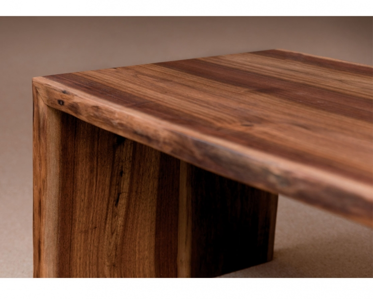 Live-edge coffee table detail