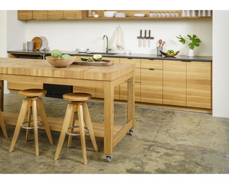 End Grain Large Butcher Block in Locally Harvested White Oak & Teton Stools