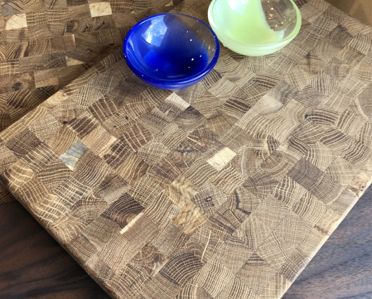 Hyla Woods Oregon Oak Cutting Board with Vitreluxe Salt Cellars