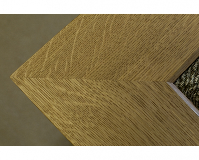 Top Detail in Quartered White Oak