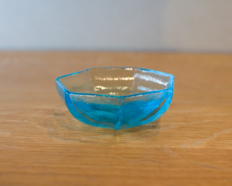Vitreluxe Heptagon Salt Bowl Side View