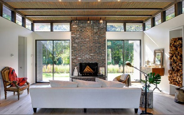 Design Contemporary Living Room With Brick Walls On The Fireplace. Modern Living Room With Brick Fireplace